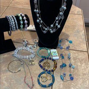 Lot bundle lia Sophia cookie Lee pendants
